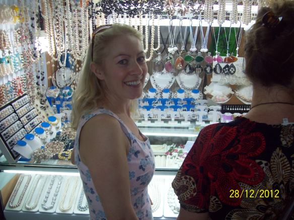 Buying pearls at Greenhills market manila