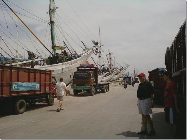 jakarta ships at Sundra Kelpa
