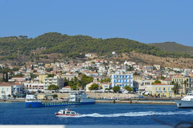 spetses harbour